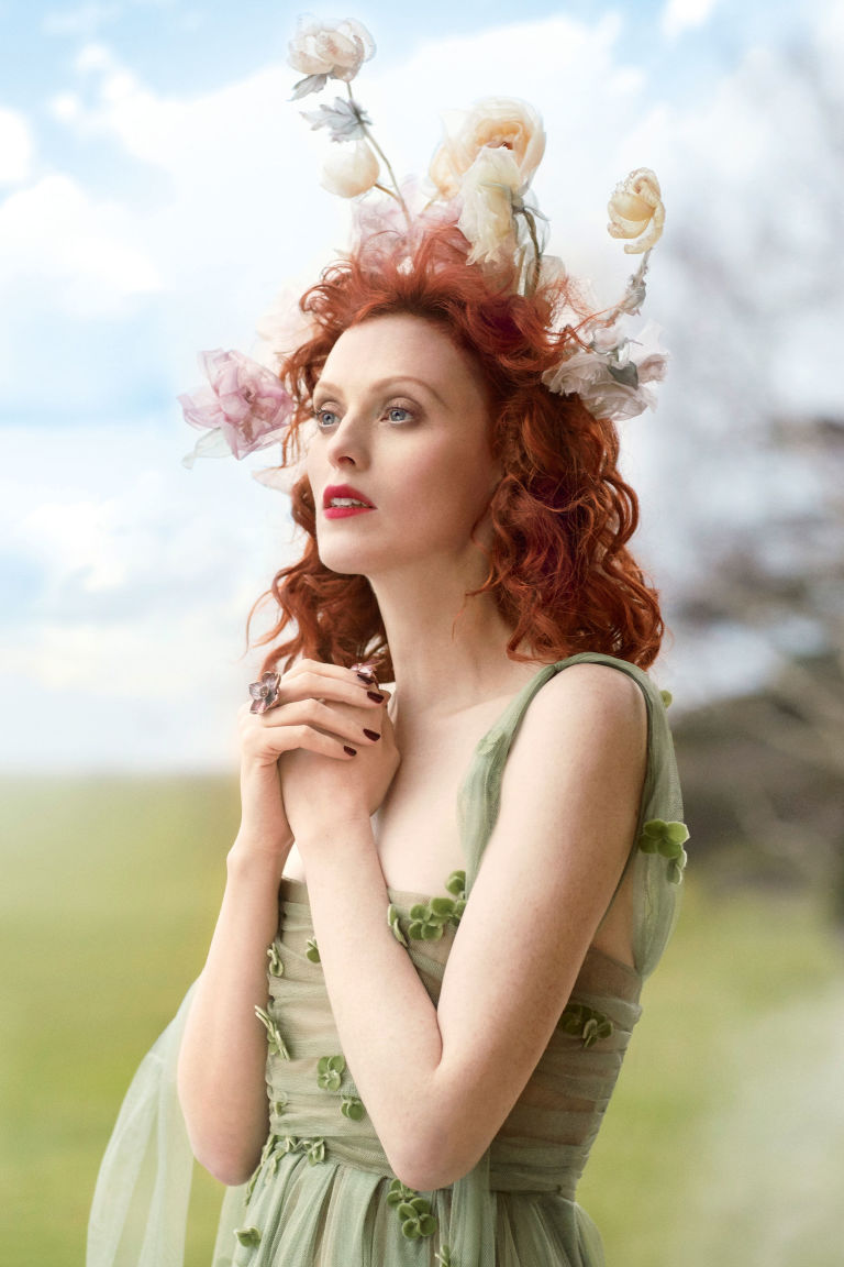 gallery-1493829757-karen-elson-hair