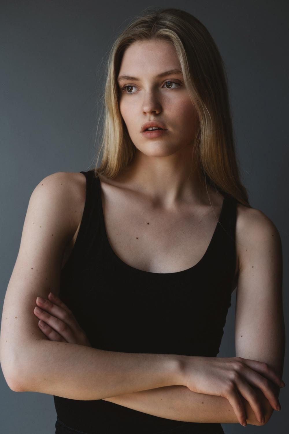 Charlotte Peet 019